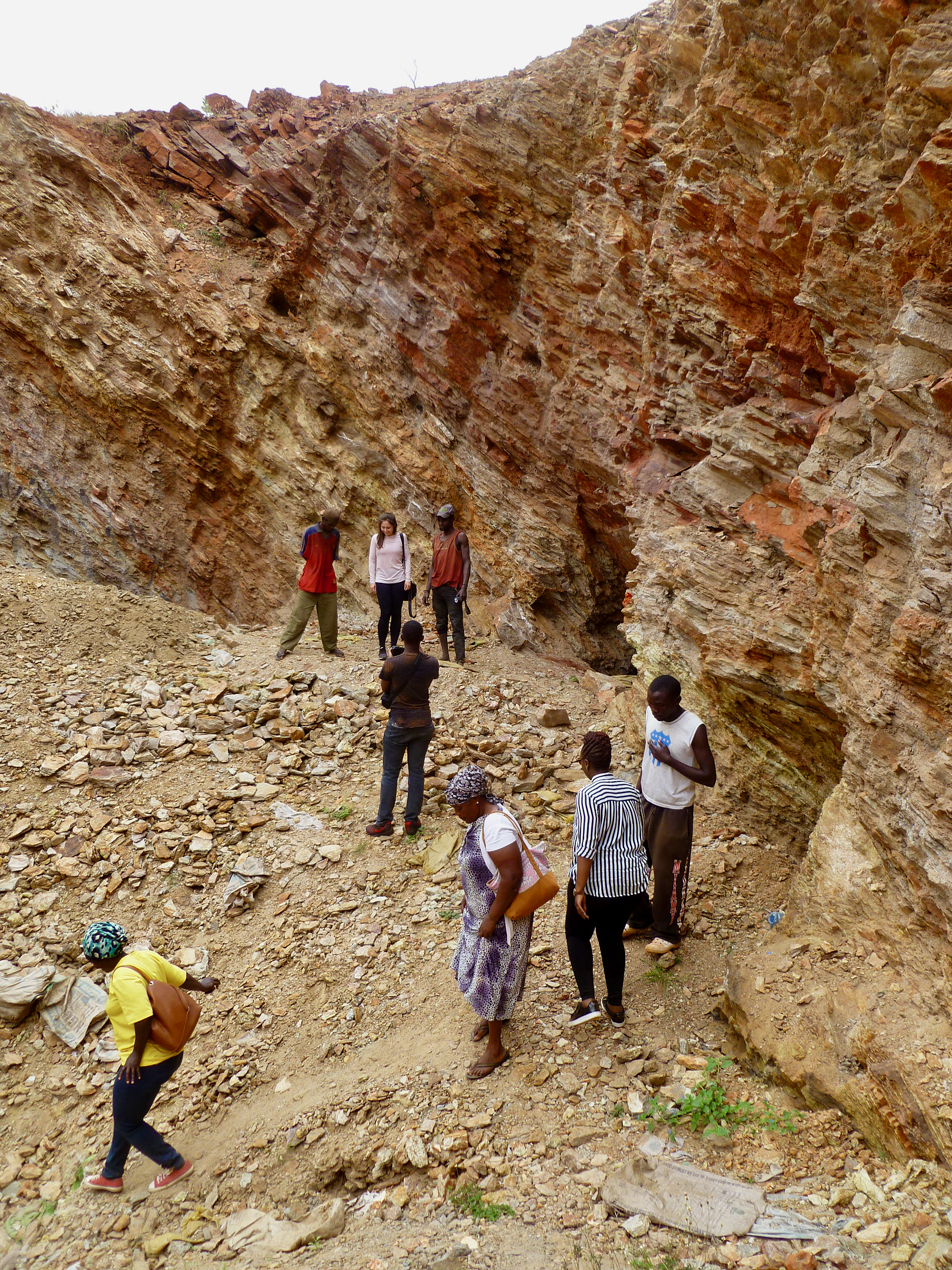 Exploring ASM site two with diggers, miners and gemmologists
